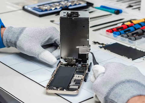 "iPhone维修""变砖""事件发酵 官方配件也不认"