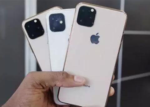 "iPhone11机模上手:三款后置摄像头都采用""浴霸""设计"