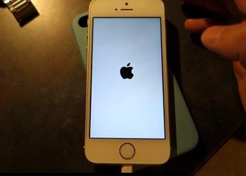 iPhone出现白苹果怎么办