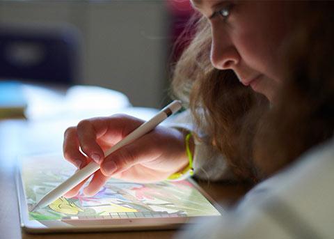 苹果iWork套件更新 让你尽情用Apple Pencil