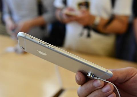 打脸!苹果否认近期推出iPhone6电池更换计划