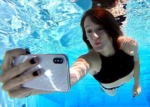 传 iPhone XI 支持全新水下模式,水里也能正常触控