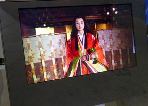 未来MBP绝配?全新13.3寸8K OLED面板研发成功