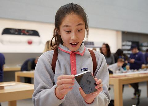 苹果今年订购2.7亿iPhone面板 近一半OLED