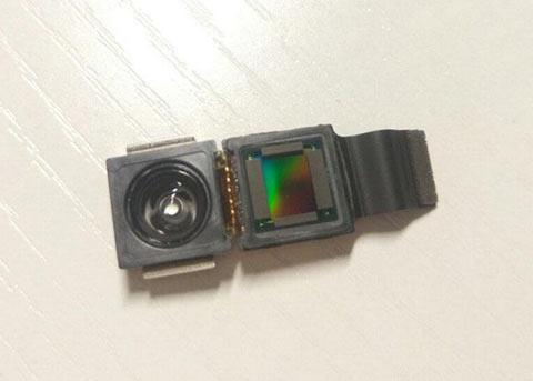 疑似iPhone8的3D感应摄像头模组曝光 你怎么看?
