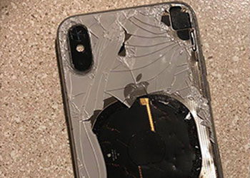 iPhone X升级iOS12.1爆炸 苹果称只是巧合
