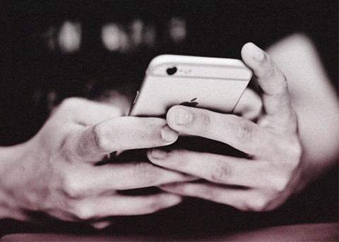 """iPhone8软件现问题 苹果进入""""恐慌""""模式"""