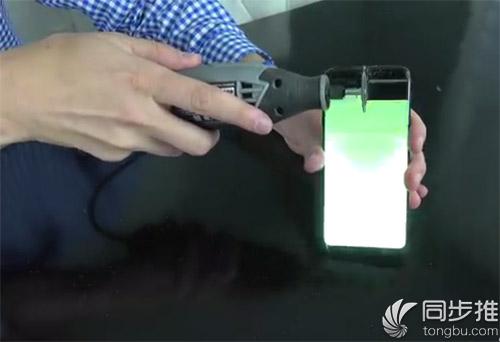电锯划开也不炸? 三星S8暴力测试看看电池稳定性