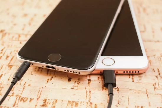 旧iPhone变慢引发第三起集体诉讼,苹果被指欺诈