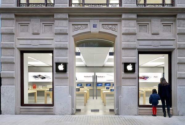 Apple Store连发两起爆炸 实为店员手艺差?
