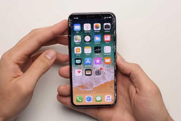 iPhone还能更耐摔?三星抗摔OLED屏获验证