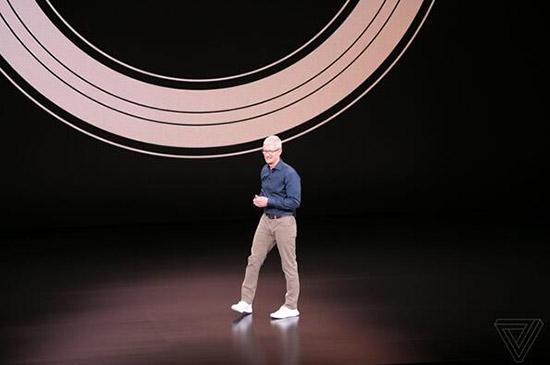 iPhone新机官曝彩蛋:0电量可刷地铁5小时