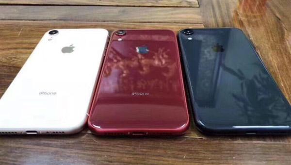 SIM卡托谍照曝光:暗示五色LCD iPhone
