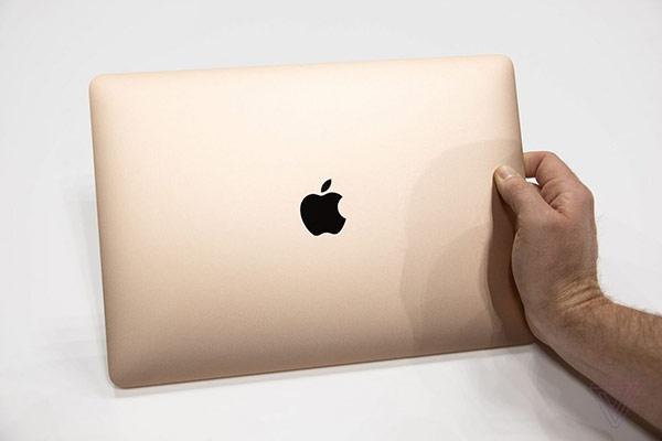 外媒上手新 MacBook Air:品质依然一流