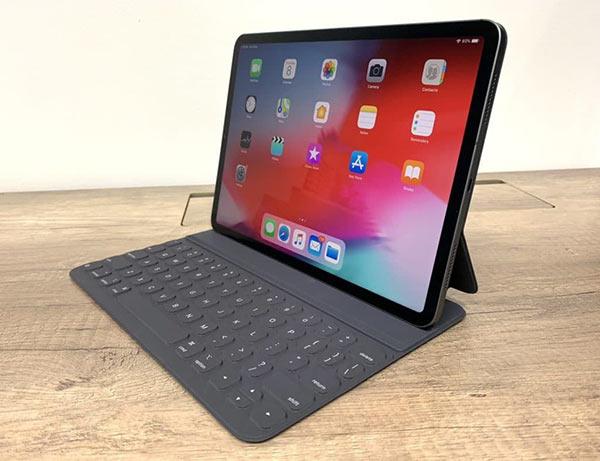 iPad Pro变弯忍不了:苹果前高管将它退货