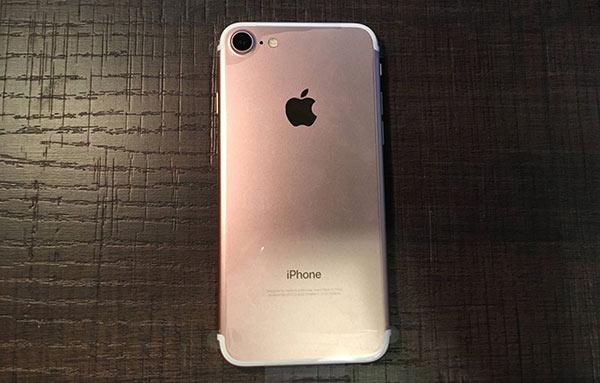 这些年被骂太丑的iPhone 你买过哪款?