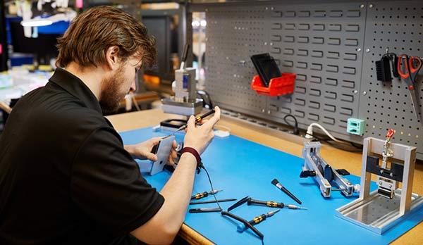 第三方维修店也能用原装正品零件维修 iPhone 了!
