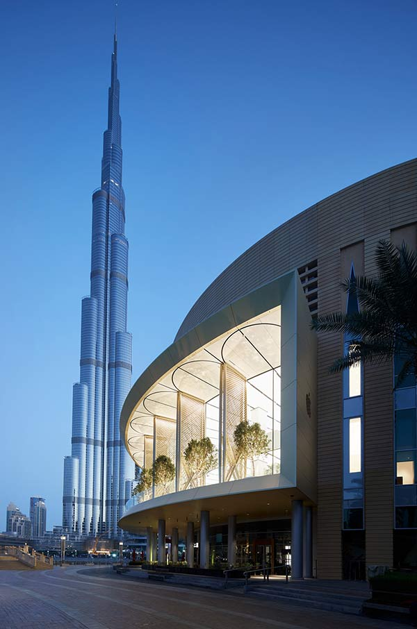 非常炫酷!看苹果迪拜零售店诠释「高级土豪金」