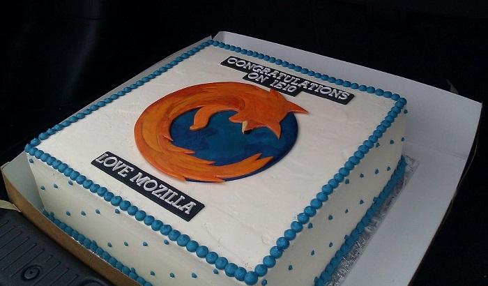 趣闻:世界三大浏览器开发团队互赠蛋糕,是对手也是朋友