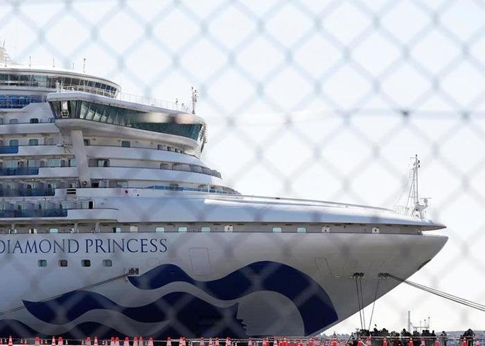 """软银将为""""钻石公主号""""隔离乘客和船员提供约2000部iPhone"""