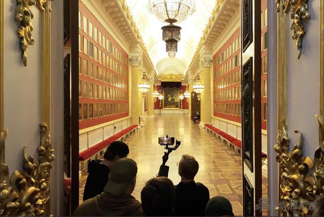 Shot on iPhone系列最新成果:一镜到底,超过5小时的长片
