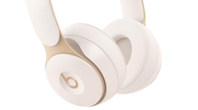苹果高端头戴式耳机可能命名为 AirPods Studio