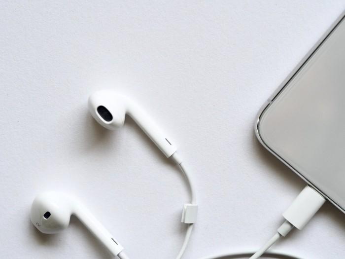 郭明錤:iPhone 12或取消附赠有线耳机 将拉动AirPods 2需求