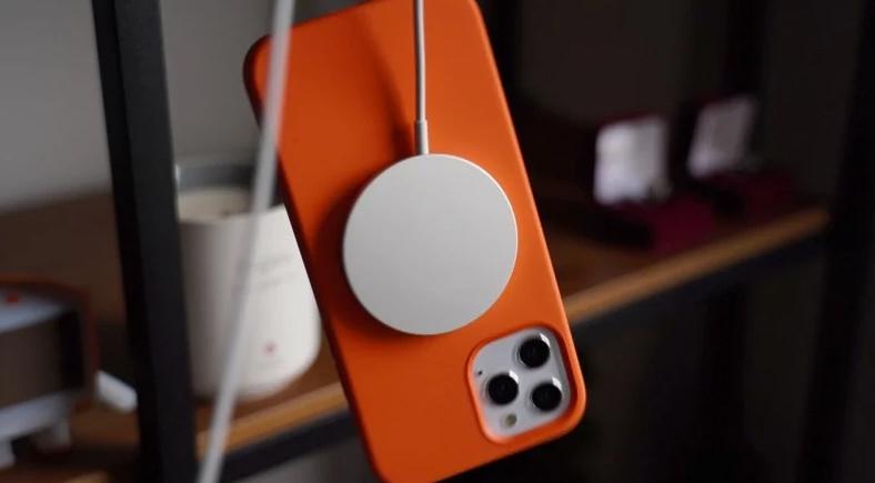苹果支持文档:MagSafe 会对心脏起搏器和除颤器造成影响